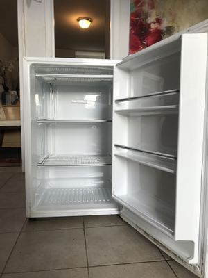 Kenmore, Small Refrigerator for Sale in Brambleton, VA