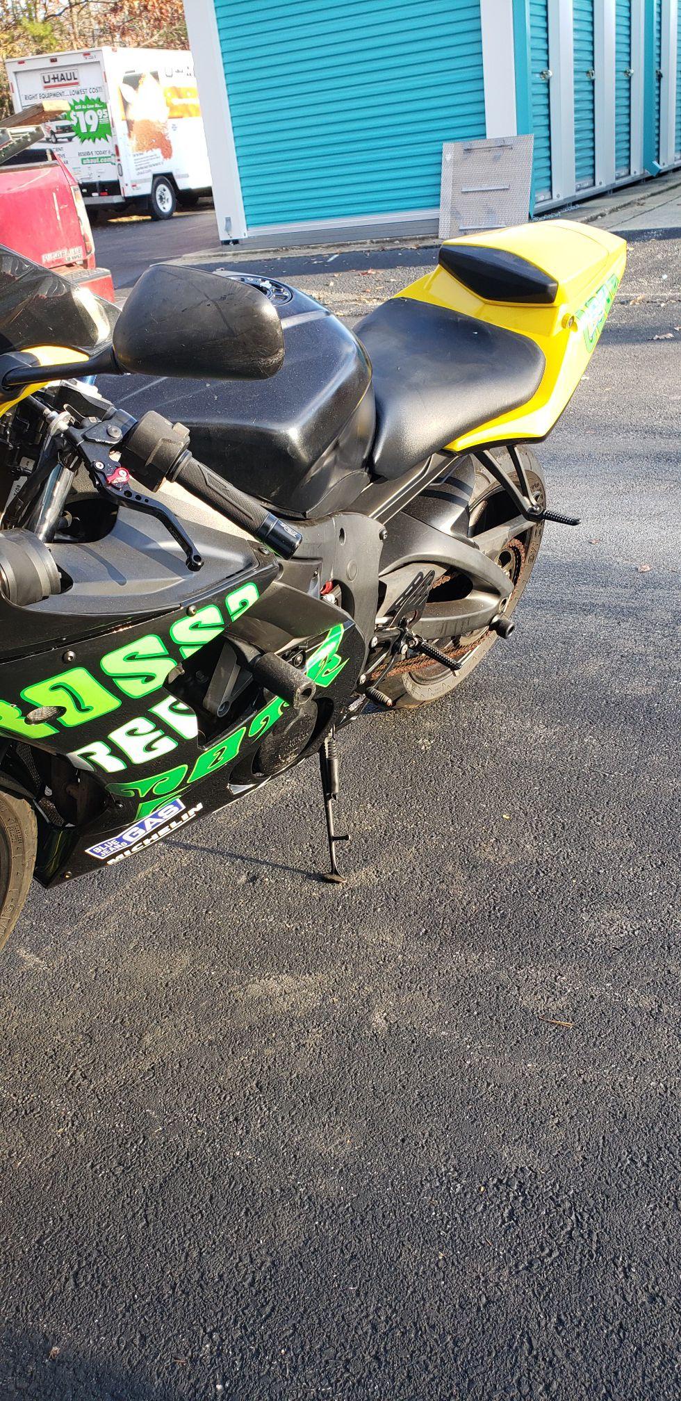06 Yamaha R6 Motorcycle