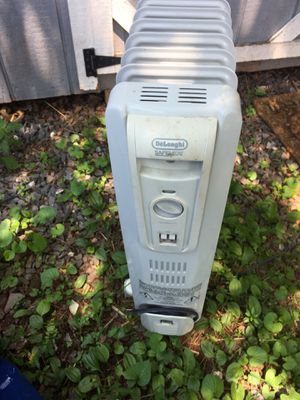 Electric oil filled heater for Sale in Poolesville, MD