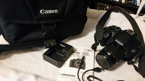 Canon t6 with lens and case for Sale in Denver, CO