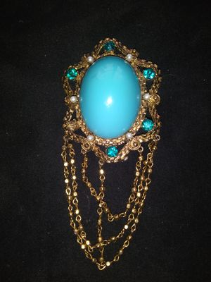 Vintage Weiss Brooch Cameo for Sale in St. Louis, MO