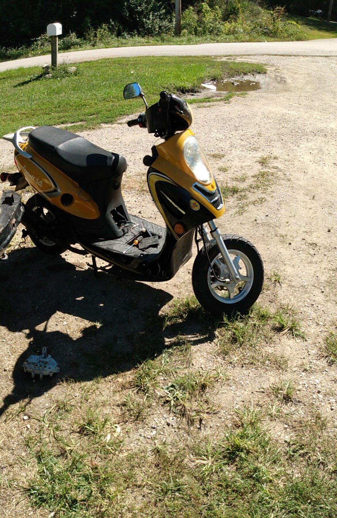 Photo Scooter for sale in lafayette in price is 300
