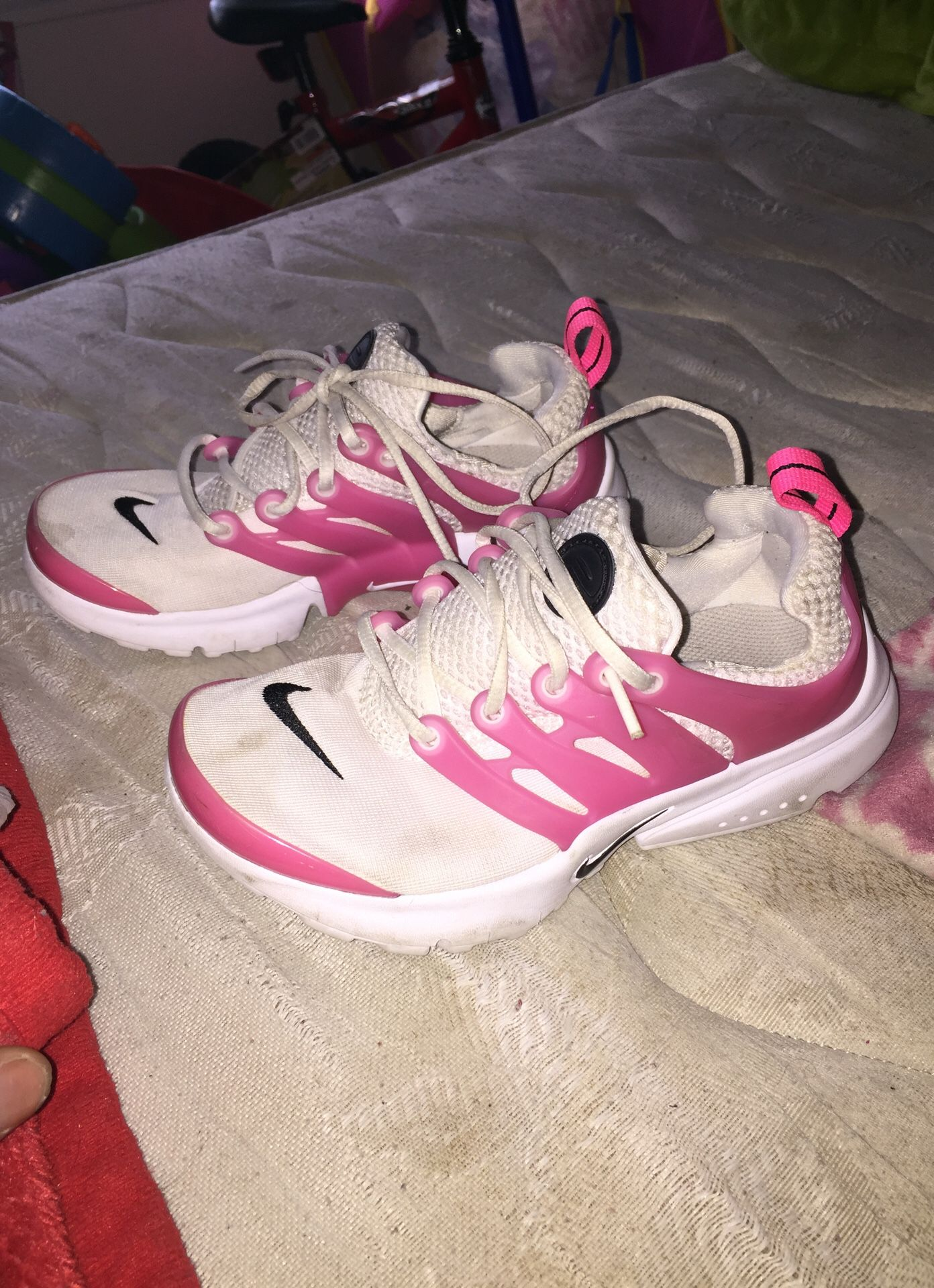 Nike's size 1Y for girls