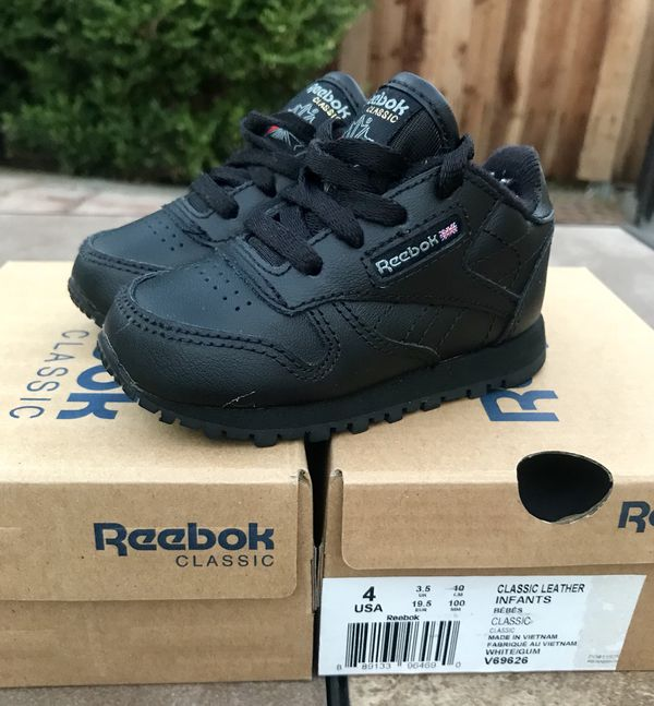 67990399a24 Reebok Classic  Leather Toddler Black Gum Sneaker (Size 4 US Toddler ...
