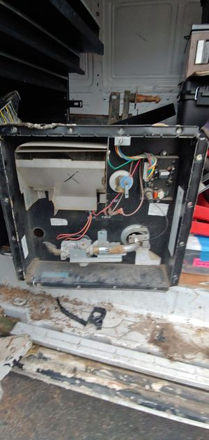 Attwood 10 gal RV water heater for Sale in Litchfield Park, AZ