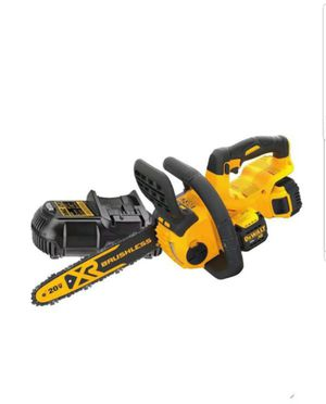 DEWALT DCCS620P1 20V MAX Compact Chainsaw Kit (5.0 AH) for Sale in Upper Marlboro, MD