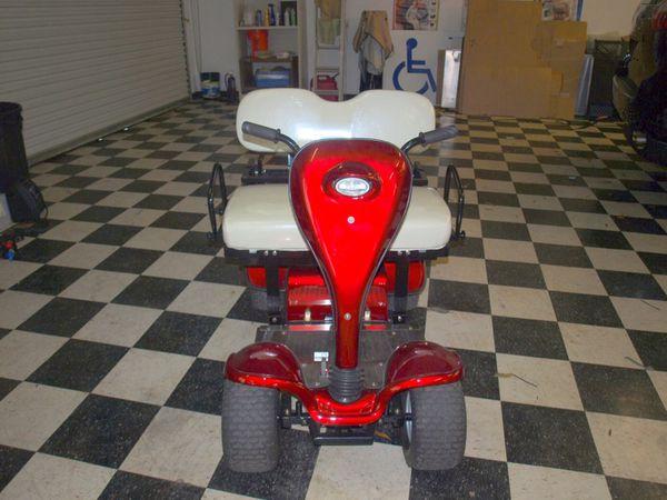 Cricket Mini Golf Carts