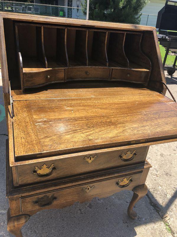 Vintage Antique Wood Desk Furniture (Furniture) in Mount Prospect, IL -  OfferUp - Vintage Antique Wood Desk Furniture (Furniture) In Mount Prospect