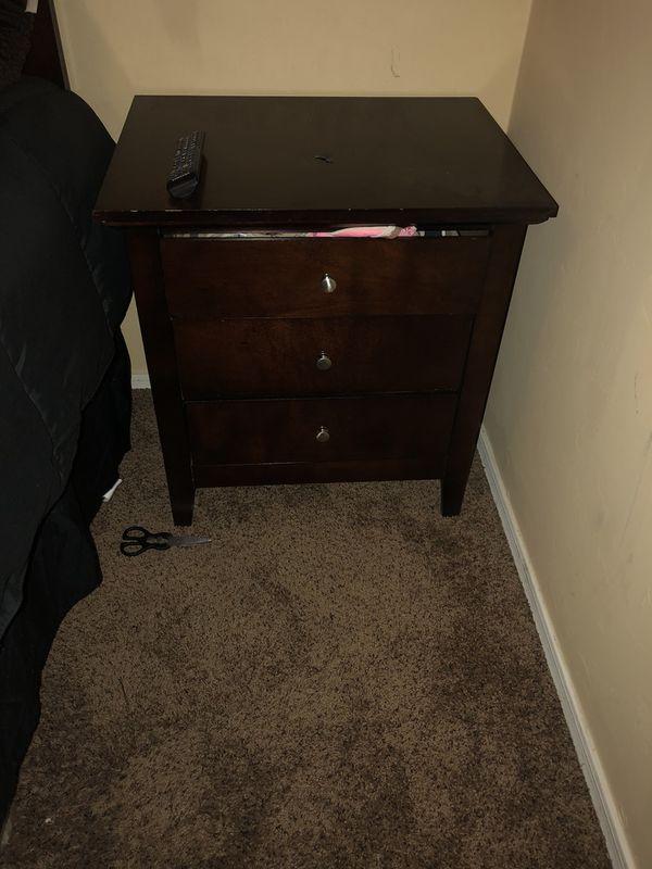 Queen Bedroom Set Furniture In Tucson Az Offerup