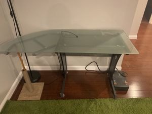 Desk and chair for Sale in Lake Ridge, VA