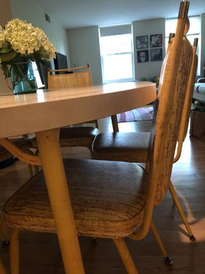 Vintage dining room table for Sale in Washington, DC