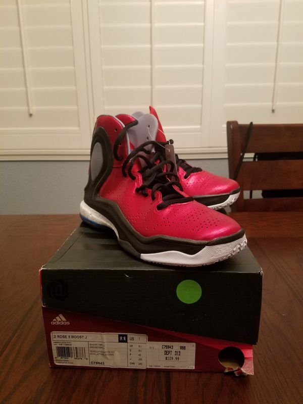 759ad182f763 Adidas d-rose 5 boost. for Sale in Visalia