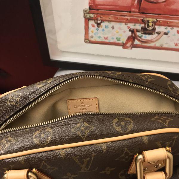 010420db6594b Louis Vuitton Facettes Bag Charm   Key Holder for Sale in Cambridge ...