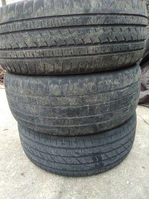 Photo (3) Bridgestone 22 tires 285 45 22