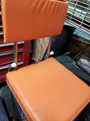 Cleveland browns seat cusion with back for Sale in Brunswick, OH