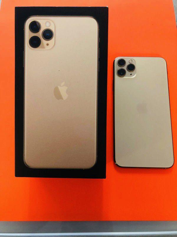 iPhone 11 Pro Max 64GB UNLOCKED + Warranty
