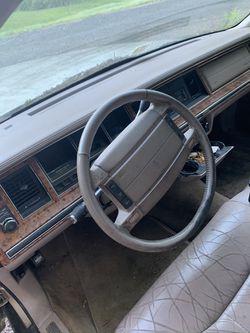 1993 Lincoln Town Car Thumbnail