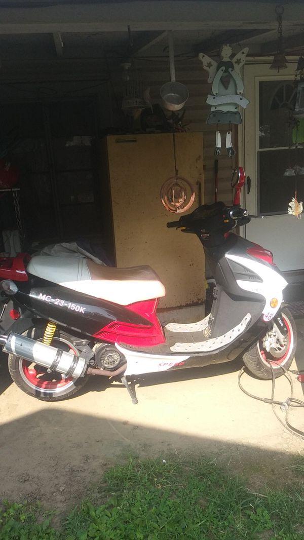 2008 roketa scooter 150cc 4 stroke 3100 actual miles runs great $1,150