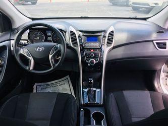 2017 Hyundai Elantra Thumbnail