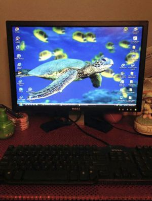 DELL XPS 410 COMPUTER IN EXCELLENT CONDITION WORKS GREAT WITH FAST SPEED comes with monitor, keyboard two mouses and 1 mouse pad for Sale in Centreville, VA