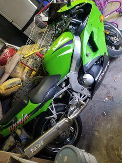 Kawasaki 600 Zx6r Thumbnail