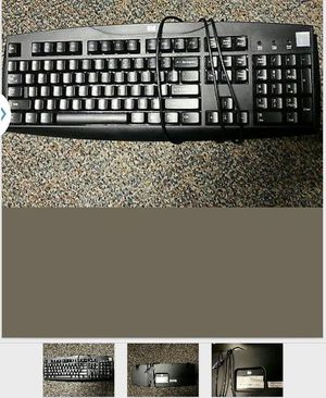 Genuine HP Key Wired Keyboard. Model: SK-1688, 333533-001, Standard. #2. Pick up downtown chicago for Sale in Chicago, IL
