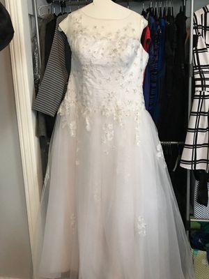 Wedding Dress - Size 14 for Sale in Rockville, MD