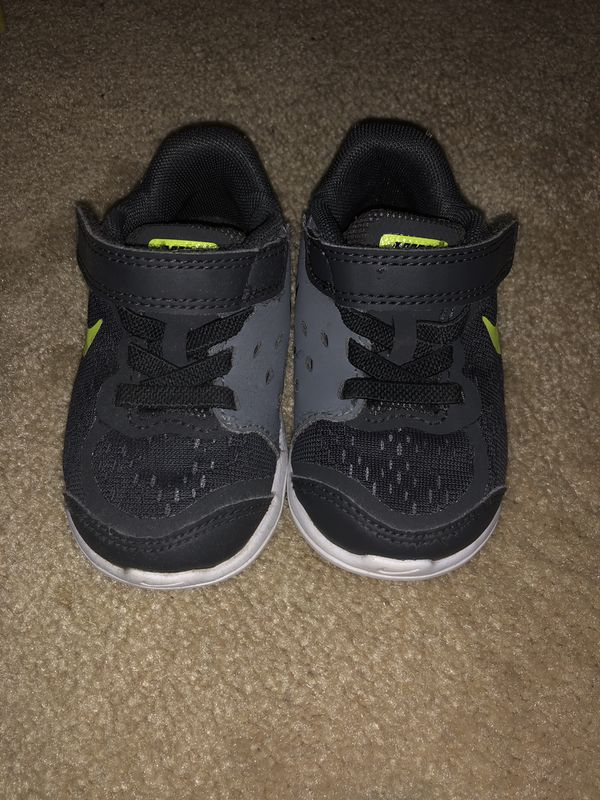 1027e6aa35ad Toddler Nike 5C for Sale in Wasco