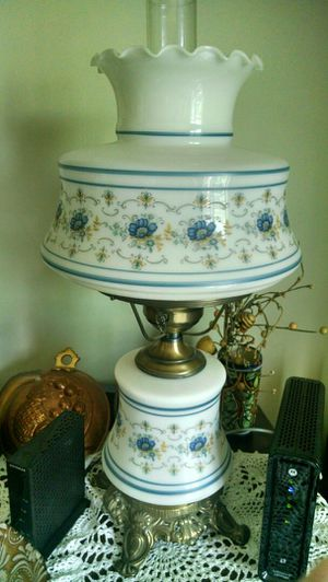 Discounted Antique lamp for Sale in PA, US