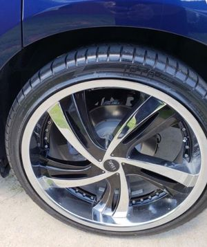 """22"""" STATUS WHEELS AND TIRES ,, NICE CLEAN SET UP , INSERTS CAN BE PAINTED ANY COLOR #ATLCUSTOMAUTO for Sale in Atlanta, GA"""