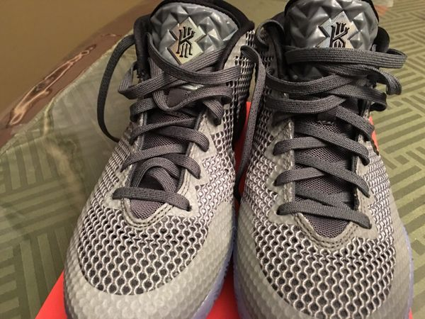 f4f15b5ac7b Nike basketball shoes Kyrie Irving for Sale in El Paso
