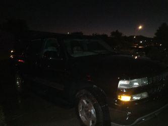 2003 Chevrolet Suburban Thumbnail