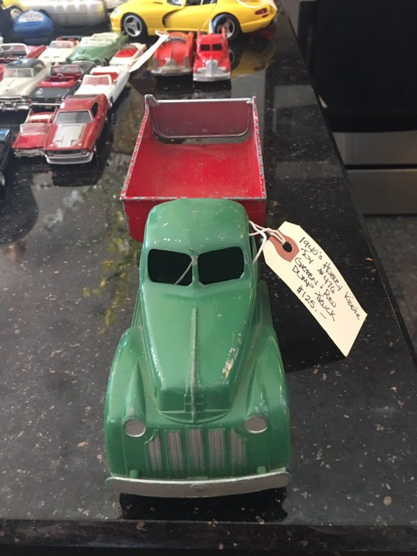 1940's Hubley Dump Truck #476