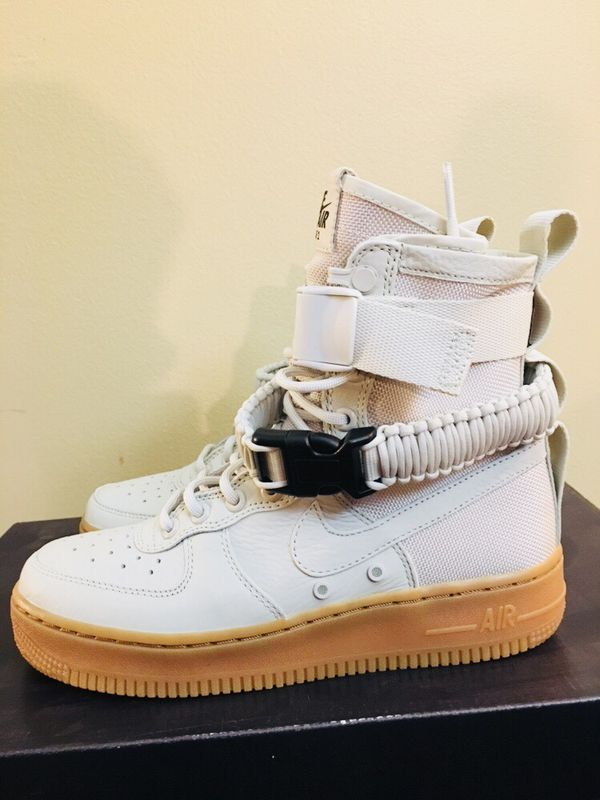 the latest c60bd adc9c Nike Women s SF Air Force 1 Light Bone Size 6.5 NEW