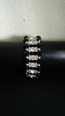 Black and silver bracelet Thumbnail