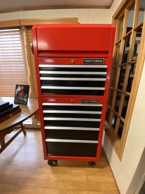 Photo LIKE NEW 9 Drawer CRAFTSMAN rolling tool chest.