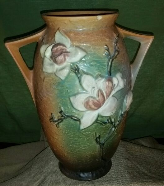 Vintage Roseville Pottery Magnolia Vase 96 12 For Sale In Joliet