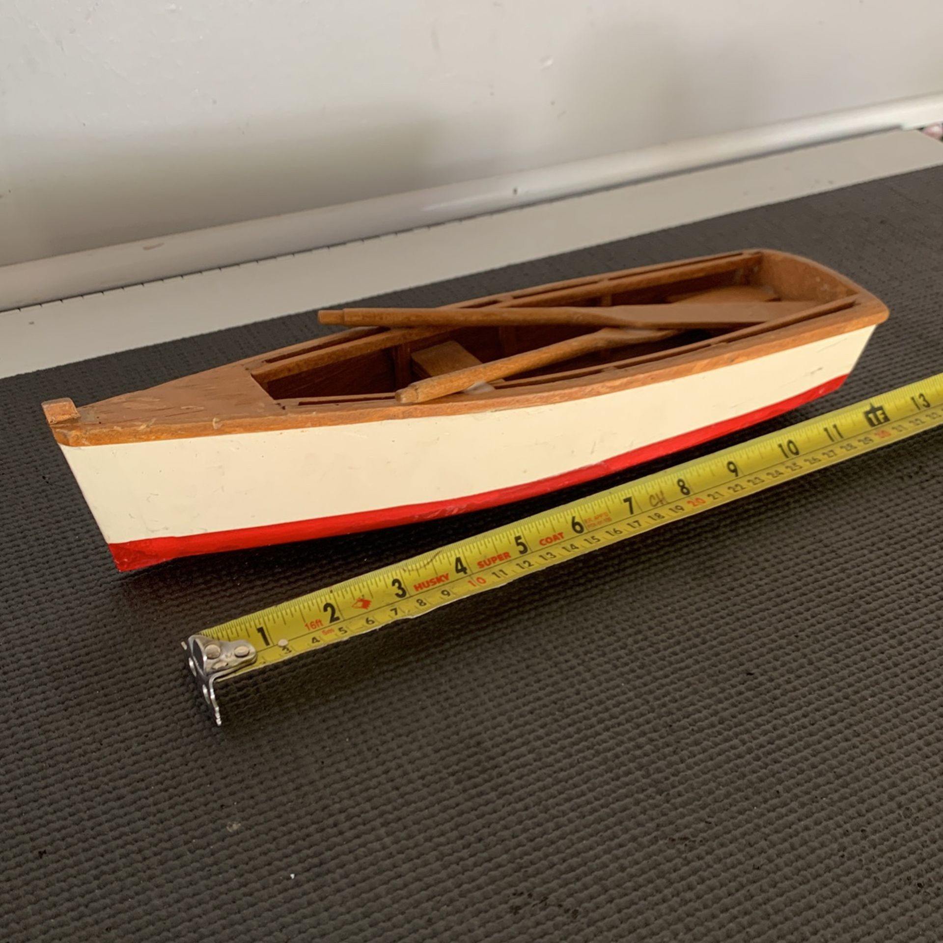 Photo Hand Crafted Wooden Boat