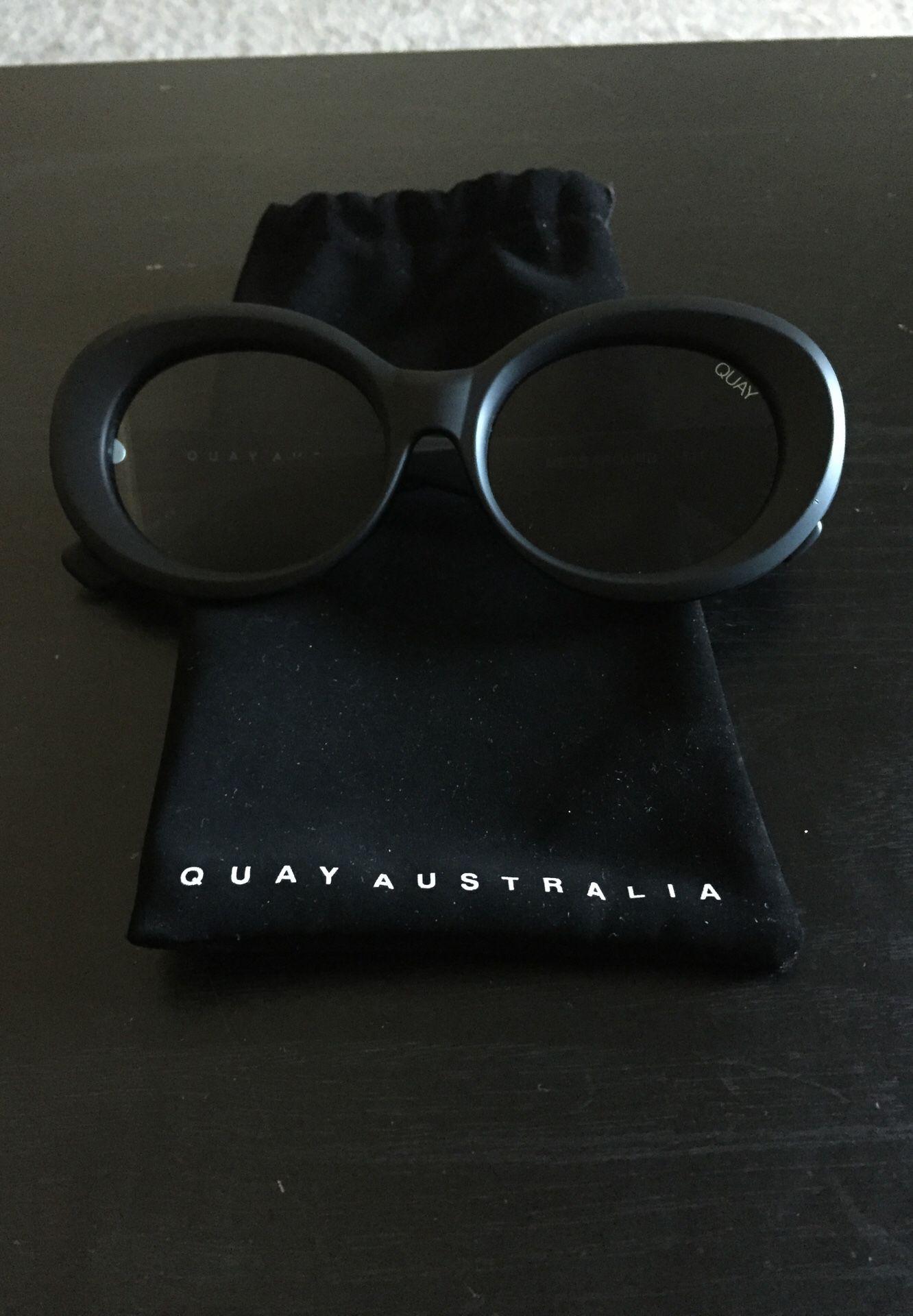 Quay Australia (matte black)