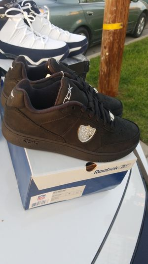 33b1087124d Super classic retro Reebok NFL EDITION SIZE 8 for Sale in Huntington Park