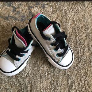 Kids converse size 5 for Sale in Falls Church, VA