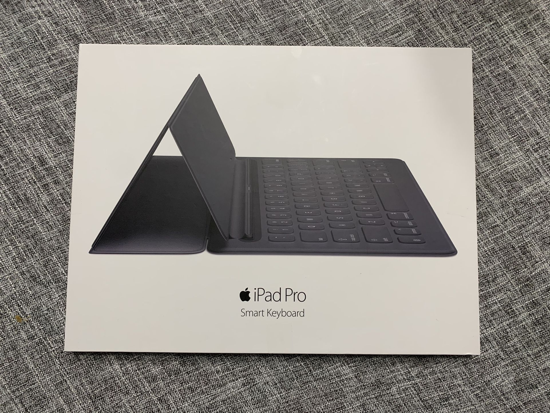 Ipad Pro 2nd Generation with Apple pencil, smart keyboard, and folding case