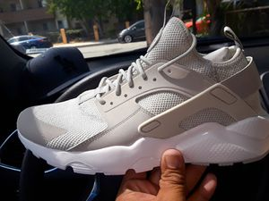 f37215a88d3c BRAND NEW NIKE AIR HUARACHE S for Sale in Pico Rivera