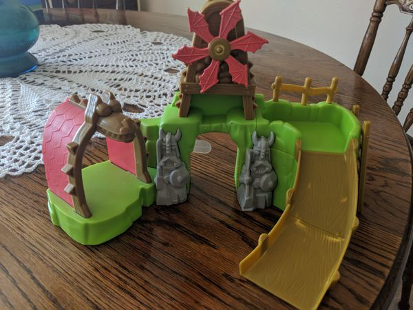 4 bath toys (see pics) (Baby & Kids) in Palmdale, CA - OfferUp
