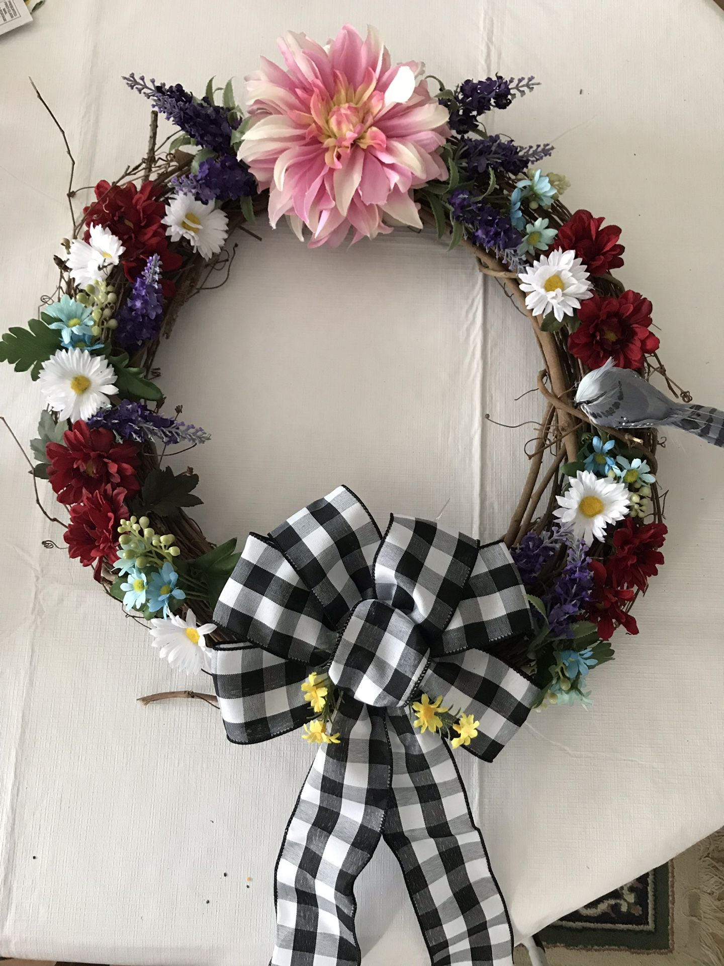 Beautiful grapevine wreath for summer