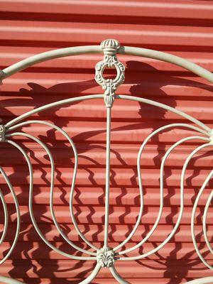 Photo Vintage Iron Full Headboard