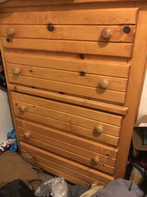 Dresser for Sale in Arvonia, VA