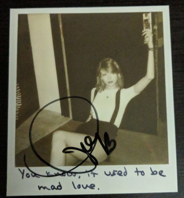 Taylor Swift Signed Polaroid From 1989 Deluxe Cd For Sale
