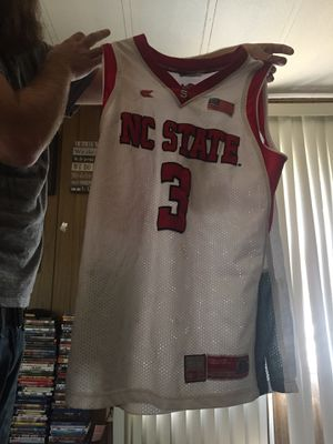 NC state Jersey Size Medium for Sale in Randleman, NC