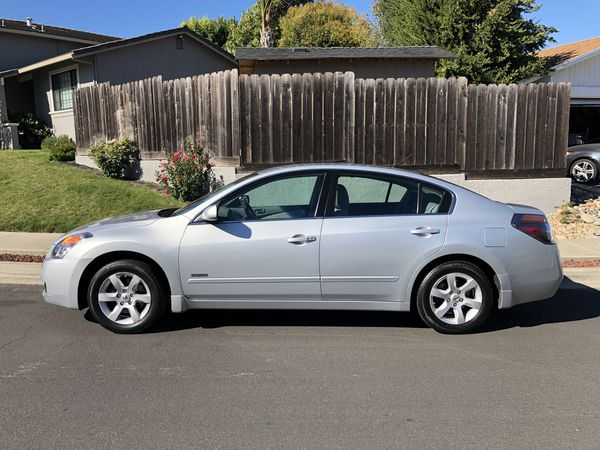 2008 Nissan Altima Hybrid 48 M P G Fully Loaded Single Owner Low Mileage
